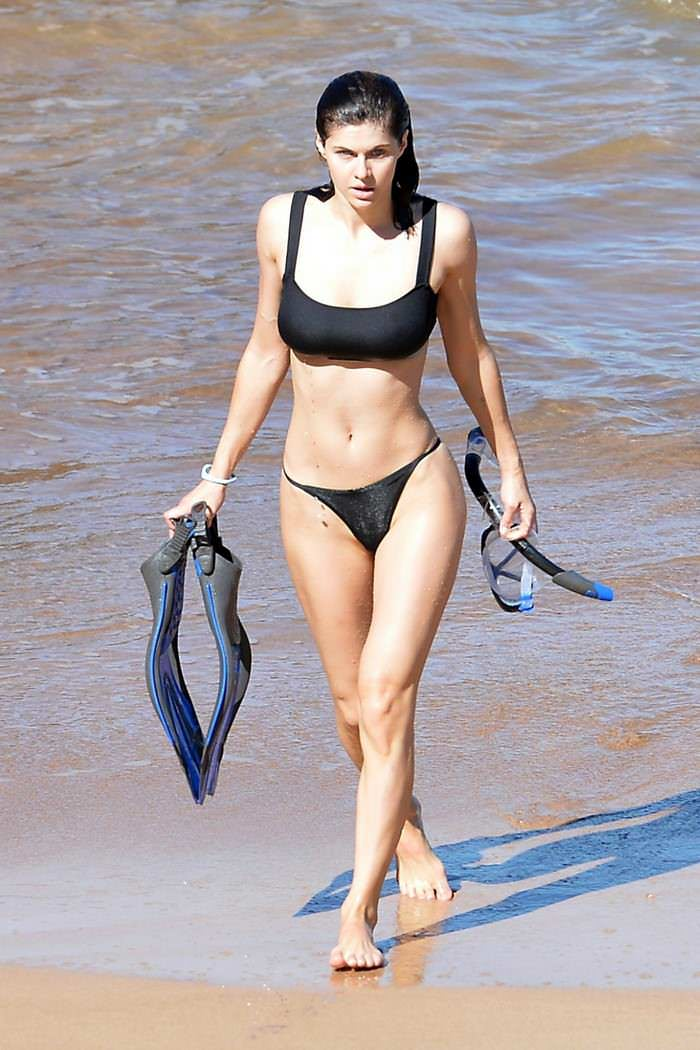 Alexandra Daddario Looked Enchanting in a Black Bikini in Hawaii