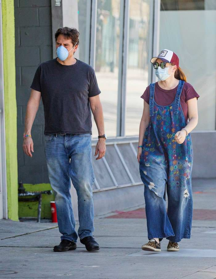 Alyson Hannigan in Oversized Overalls Step Out for Supplies