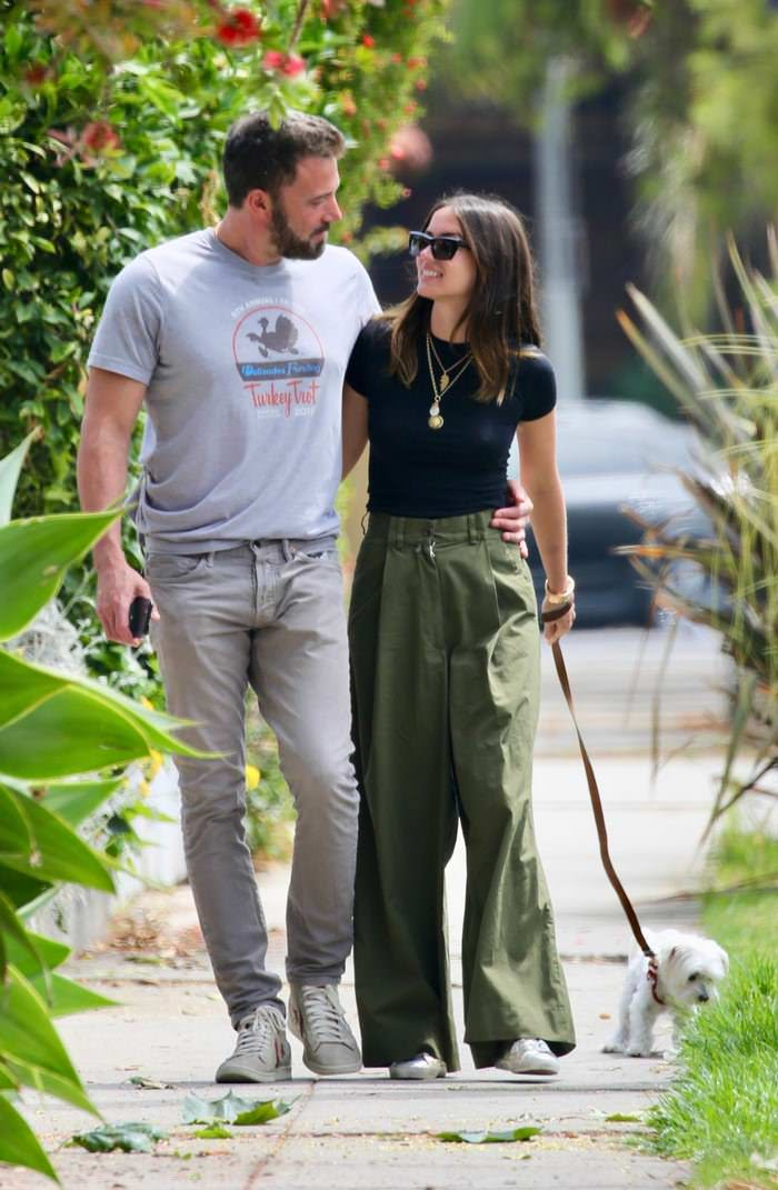 Ana de Armas and Ben Affleck Out on a Romantic Stroll