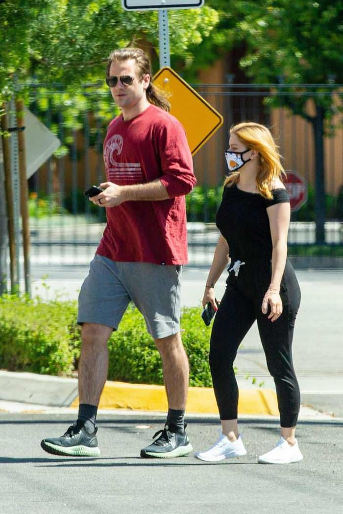 Ariel Winter Stepped Out for an Errands Run with BF