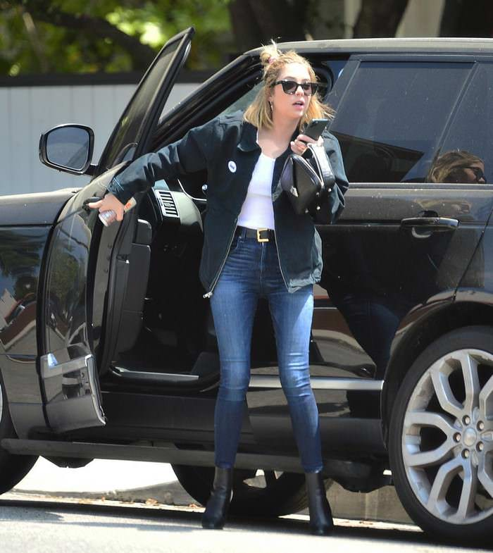 Ashley Benson in Skinny Jeans and Ankle Boots Running Errands