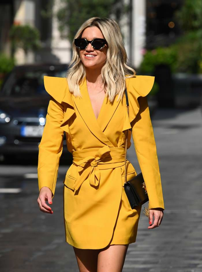 Ashley Roberts Oozes Summer Chic in a Short Yellow Blazer Dress