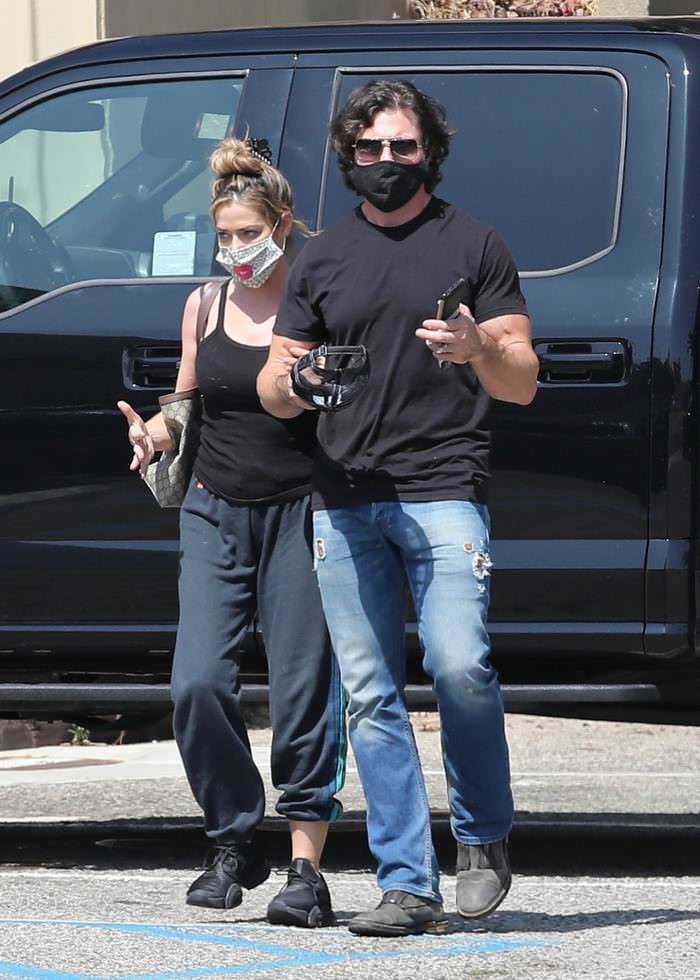 Denise Richards and Aaron Phypers Out to Grab Food in Malibu
