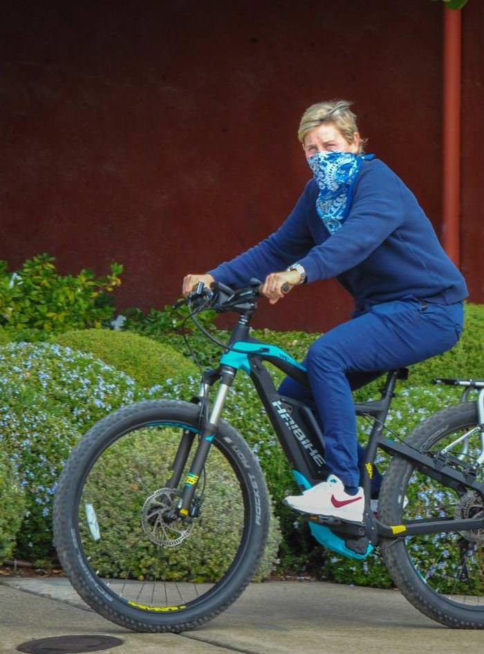 Ellen DeGeneres Rides a ,500 Electric Bike to Lunch in Santa Barbara