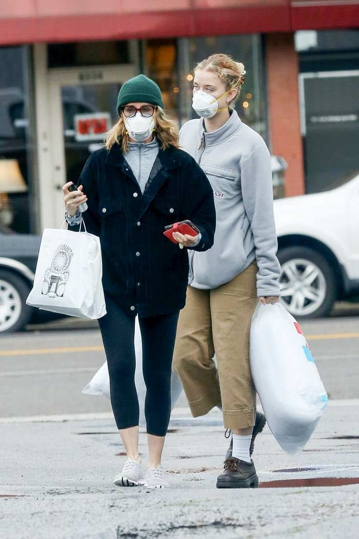 Felicity Huffman Wears a Surgical Mask While Shopping in LA
