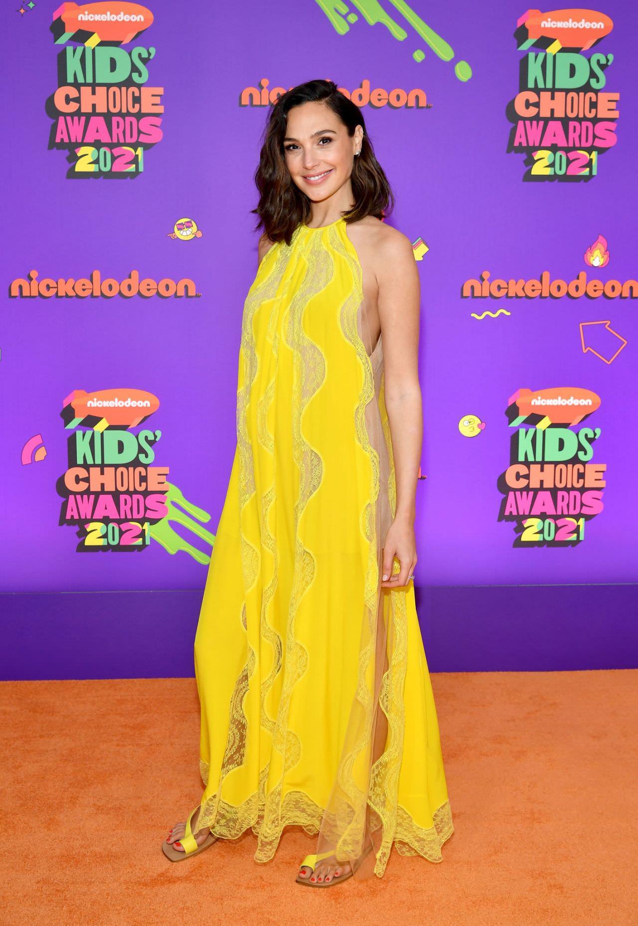 Gal Gadot in Yellow Dress at 2021 Nickelodeon Kid's Choice Awards