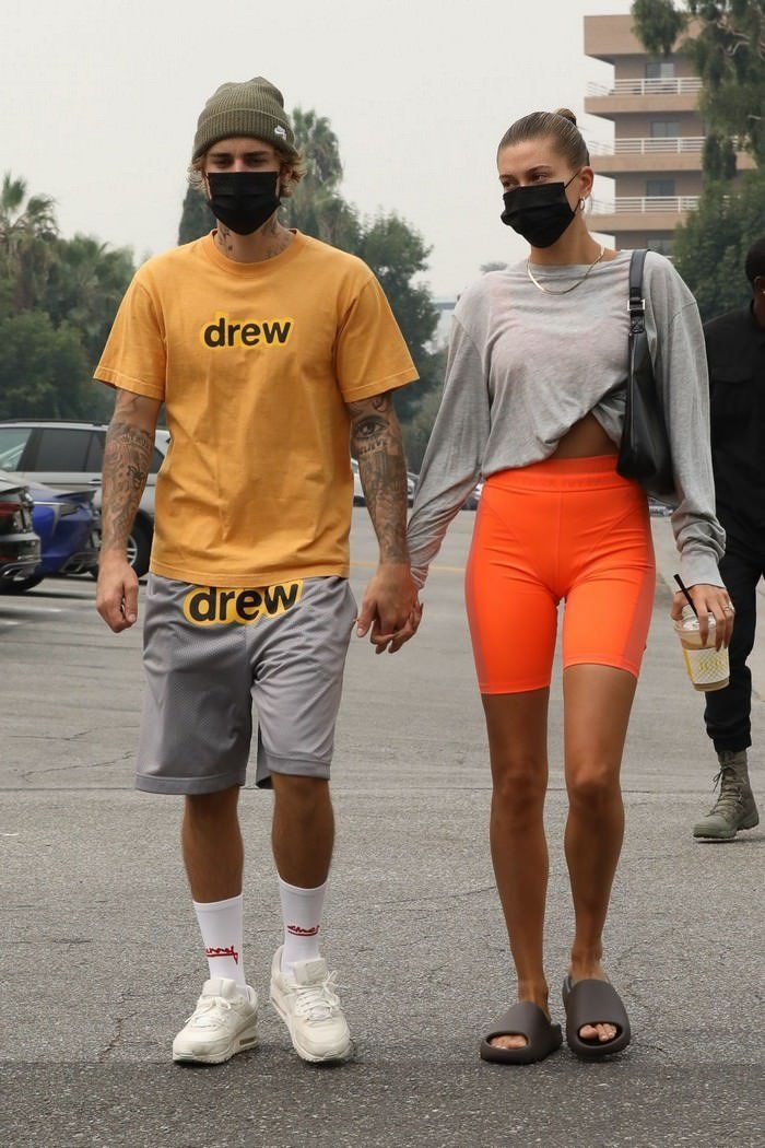 Hailey Bieber and Justin Walked Hand-in-hand as they Headed to Yoga Class