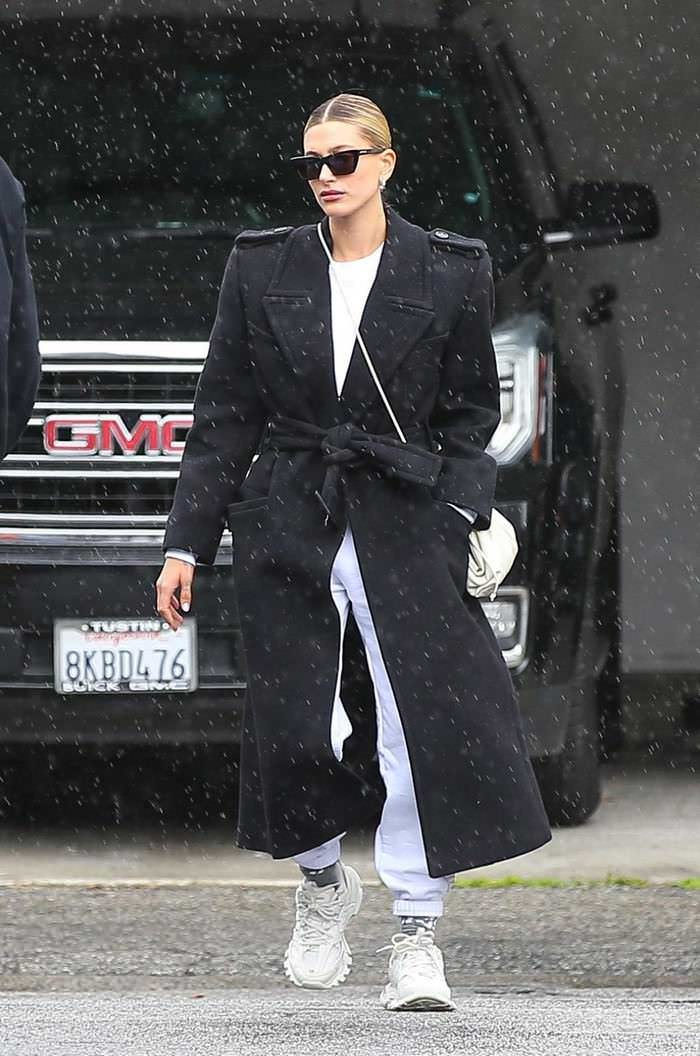 Hailey Rhode Bieber in Oversized Coat Out for Lunch in Beverly Hills