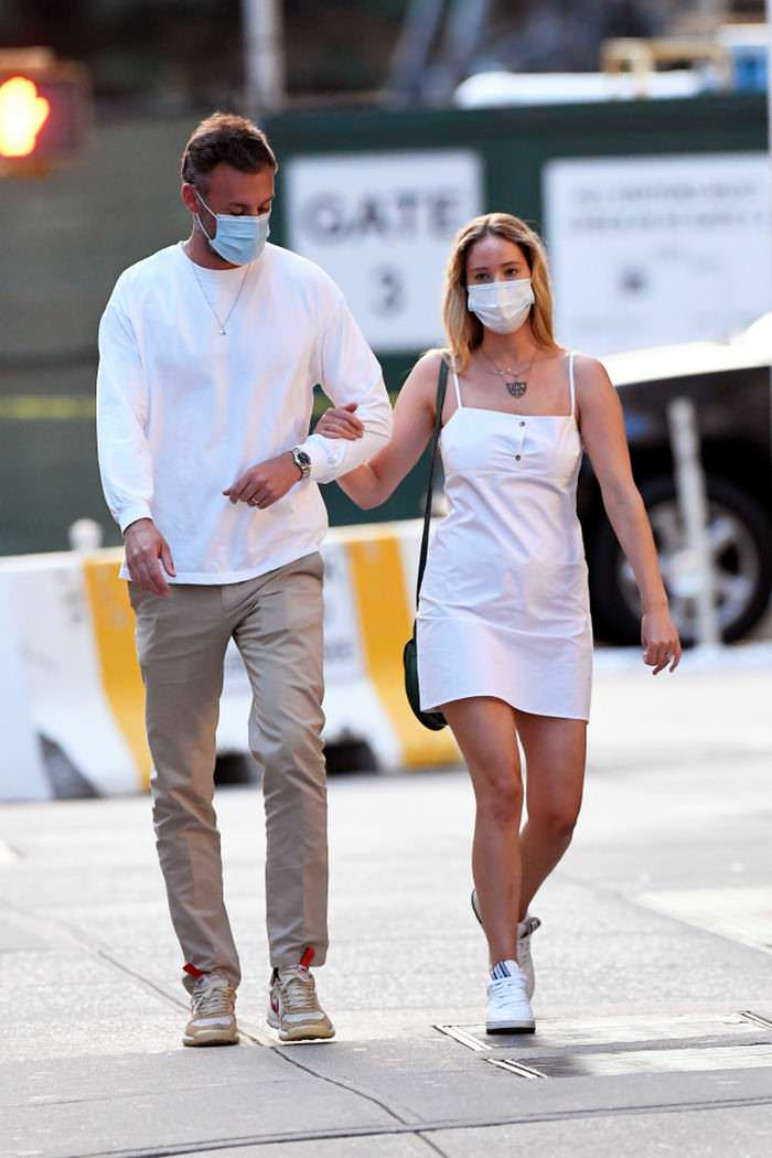 Jennifer Lawrence on a Romantic Stroll with Husband Cooke Maroney