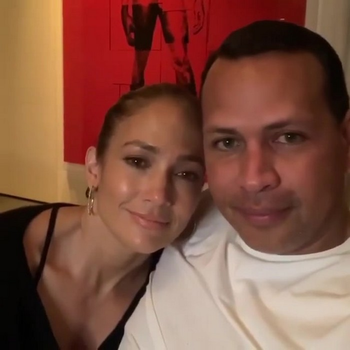 Jennifer Lopez Urges Her Fans to Stay Home