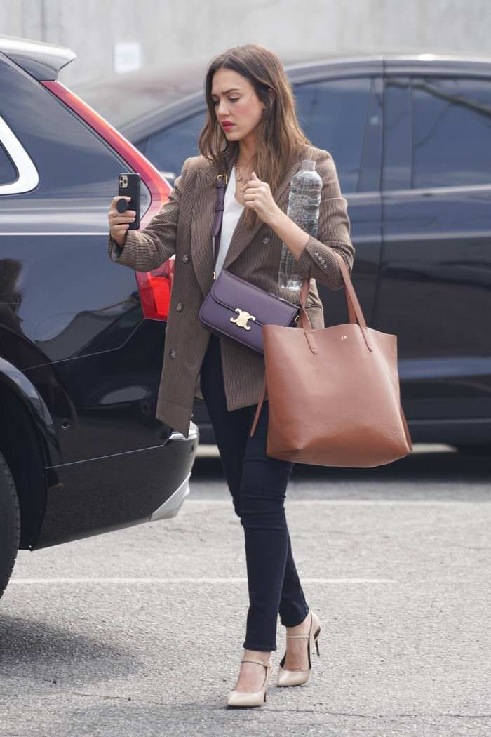 Jessica Alba Going to the Baby2Baby Headquarters