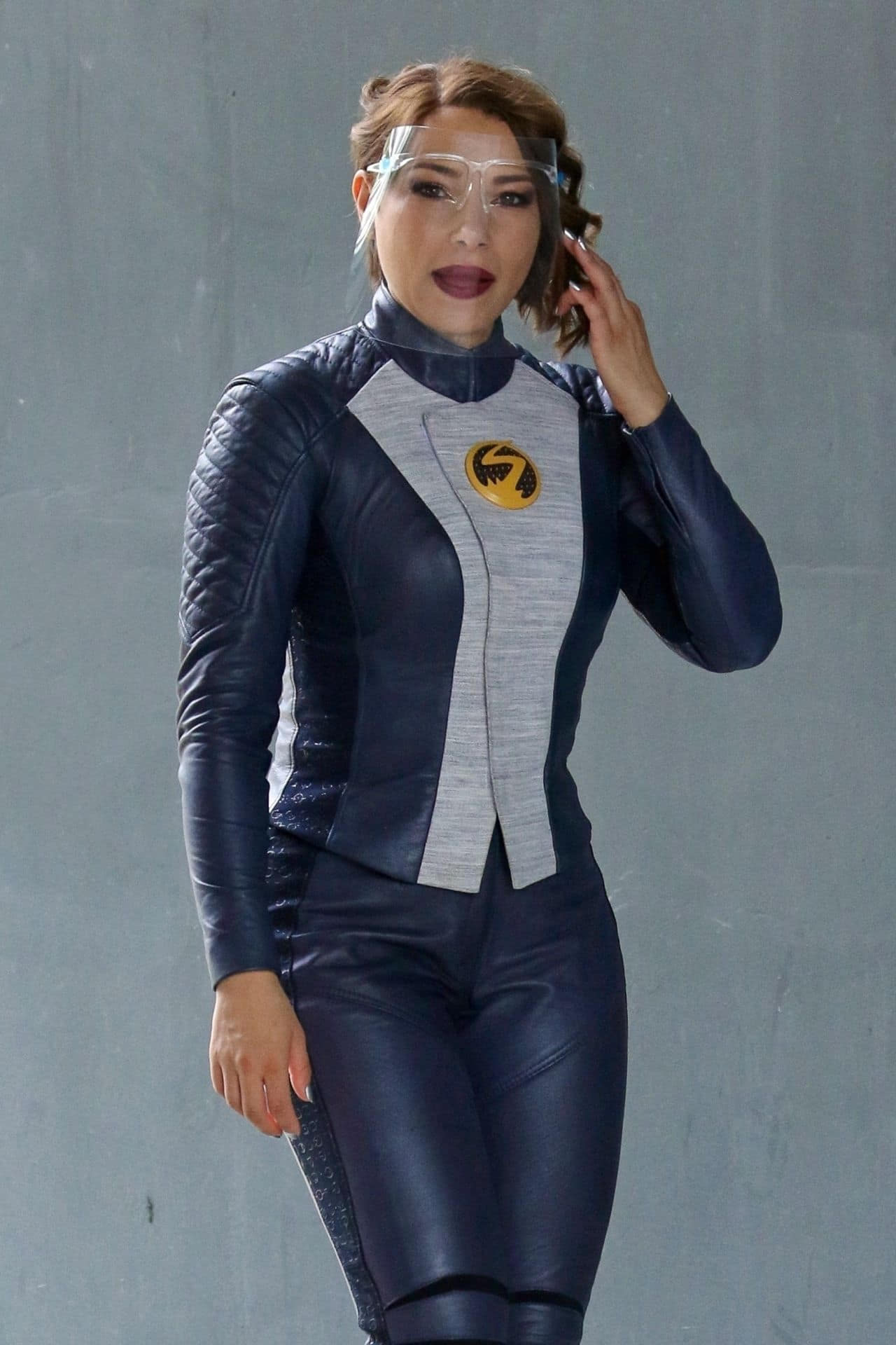"""Jessica Parker Kennedy at the """"The Flash"""" Set in Vancouver"""