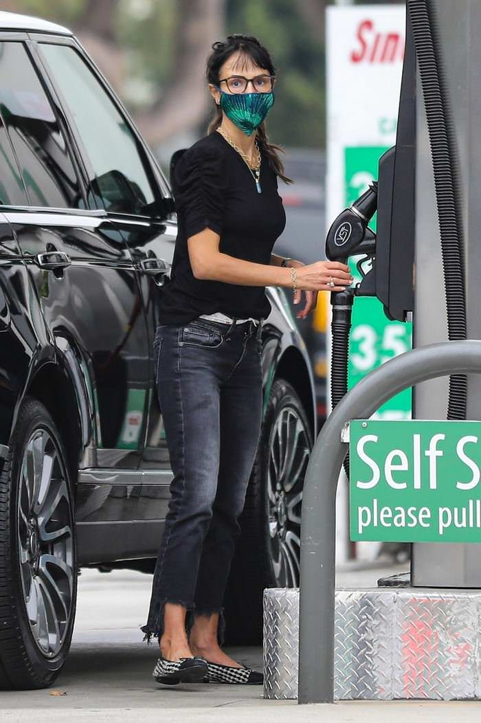 Jordana Brewster Looked Chic as She was Pumping Gas in Brentwood