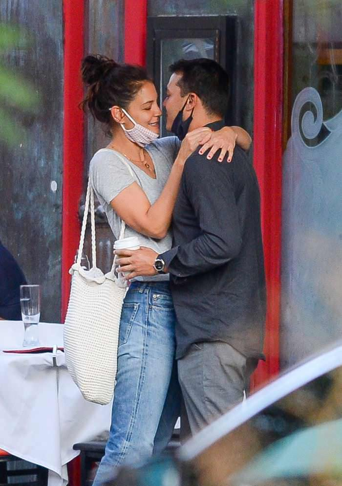 Katie Holmes Makes Out with her Boytoy in NYC