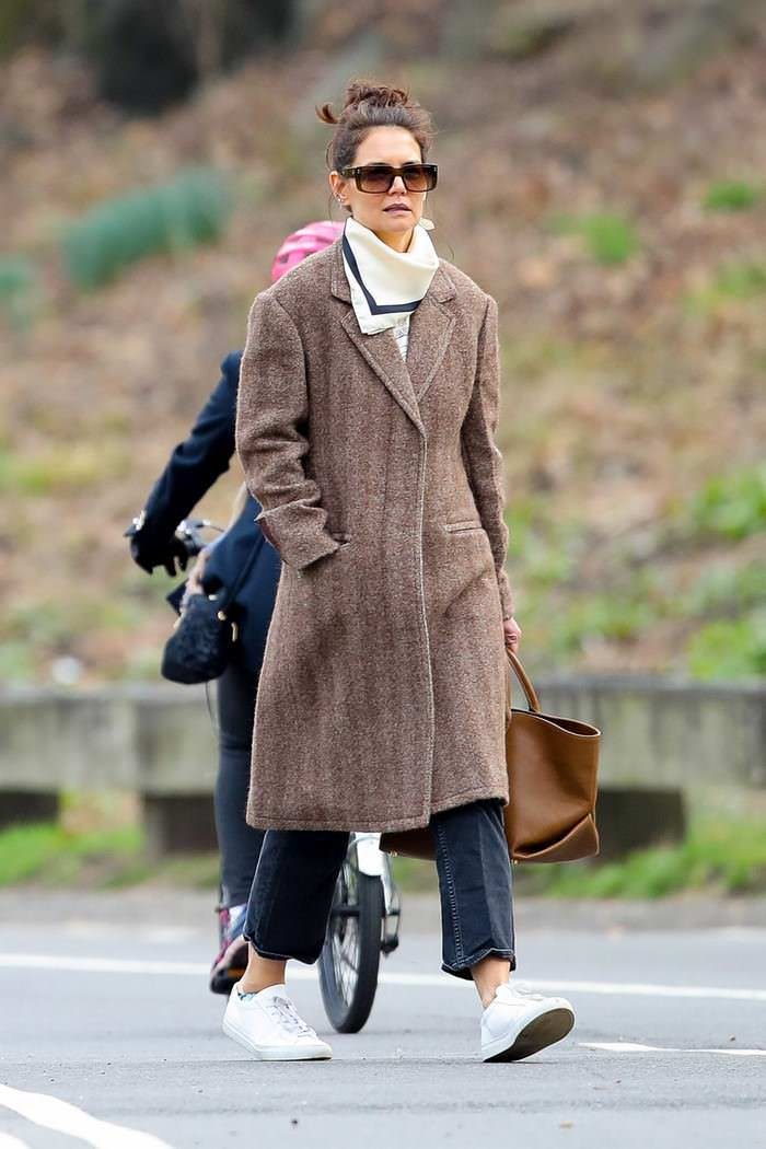 Katie Holmes Strolls in Central Park in New York