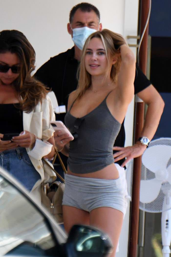 Kimberley Garner Shows Off Her Toned Legs in Tiny Gray Shorts