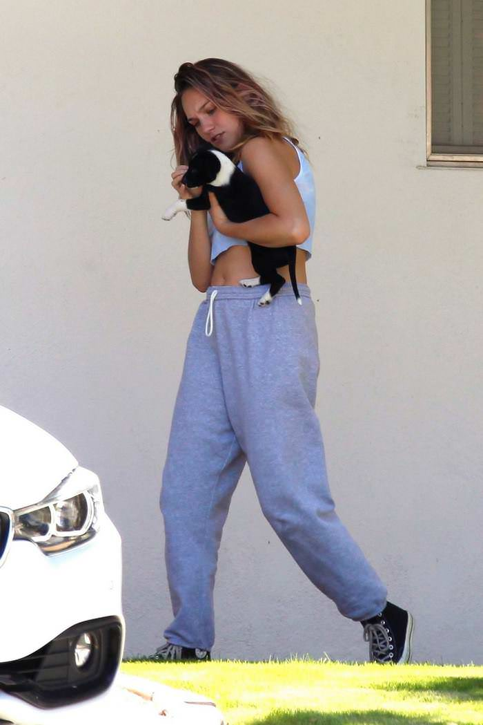 Maddie Ziegler Cuddles with a Cute Puppy in Palm Springs