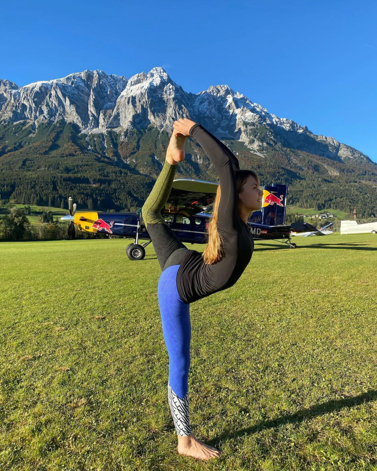Maja Kuczynska Posing while Working Out and Skydiving