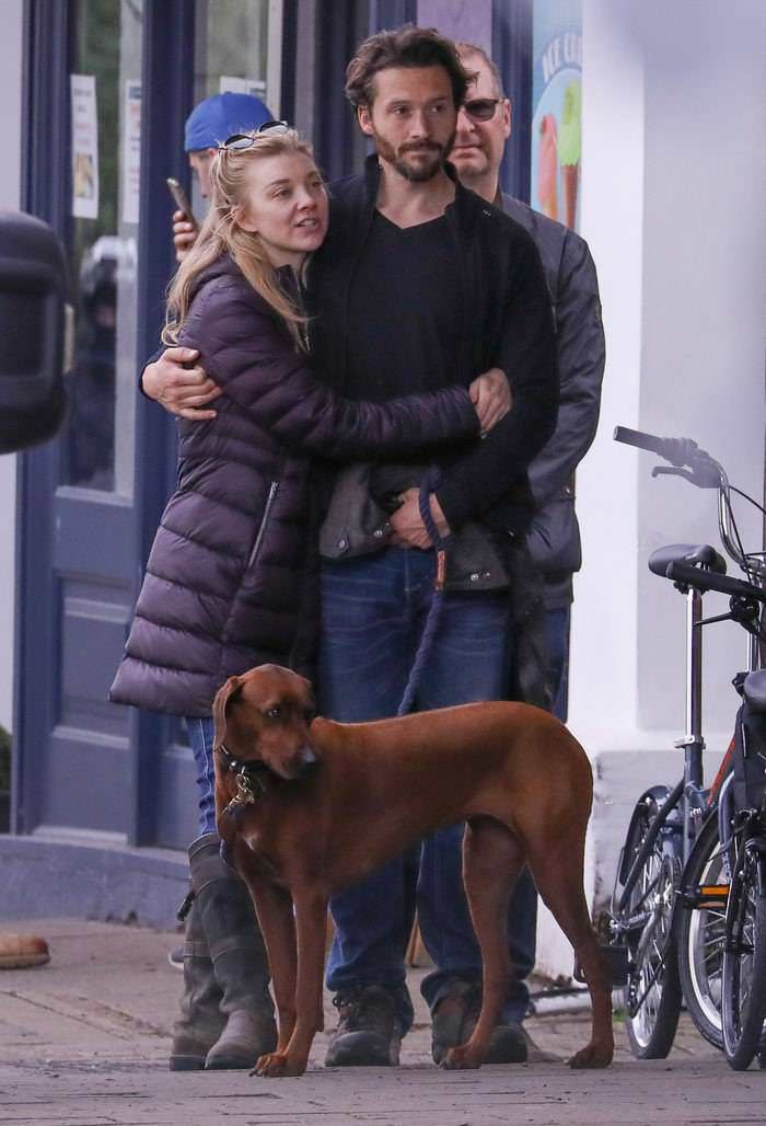 Natalie Dormer Goes Out Make-up Free with BF and her Beloved Dog