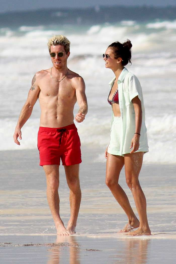 Nina Dobrev and Shaun White Enjoying in PDA Phase in Mexico