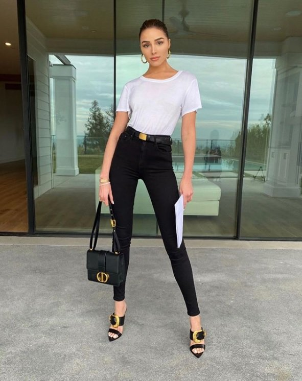 Olivia Culpo in High-rise Skinny Jeans at Instagram