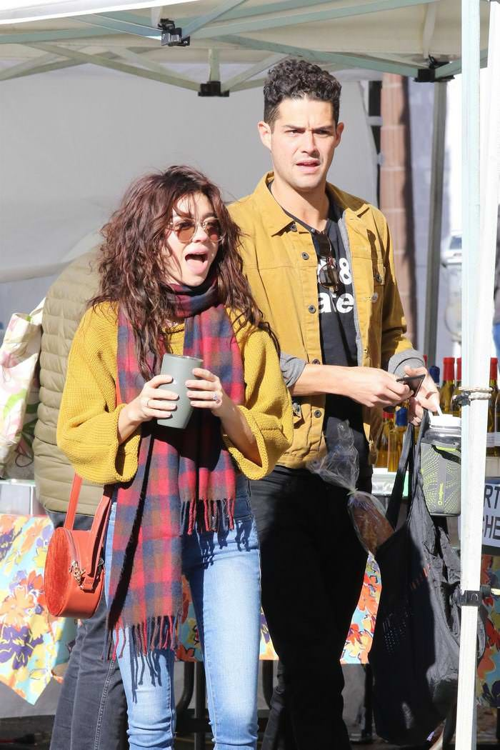 Sarah Hyland at Farmers Market in LA