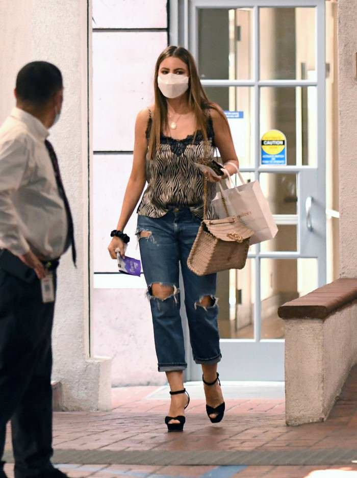 Sofia Vergara Cuts a Sexy Look as She Steps Out for Some Shopping in LA
