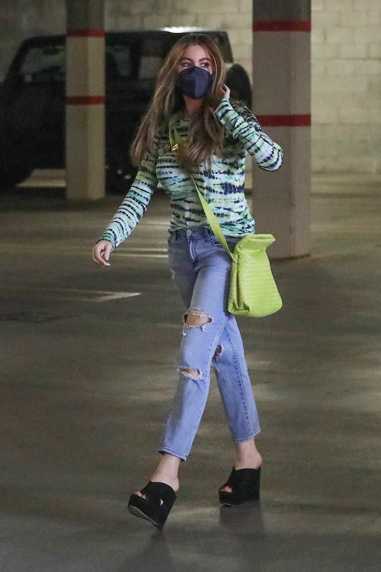 Sofia Vergara Cuts a Stylish Figure at the Parking in Beverly Hills