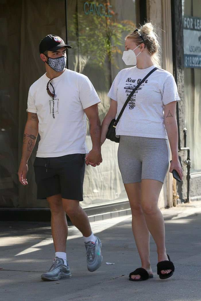 Sophie Turner and Joe Jonas Outside Salt & Straw