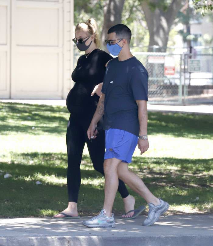 Sophie Turner Stepped Out for a Walk with Husband Joe Jonas