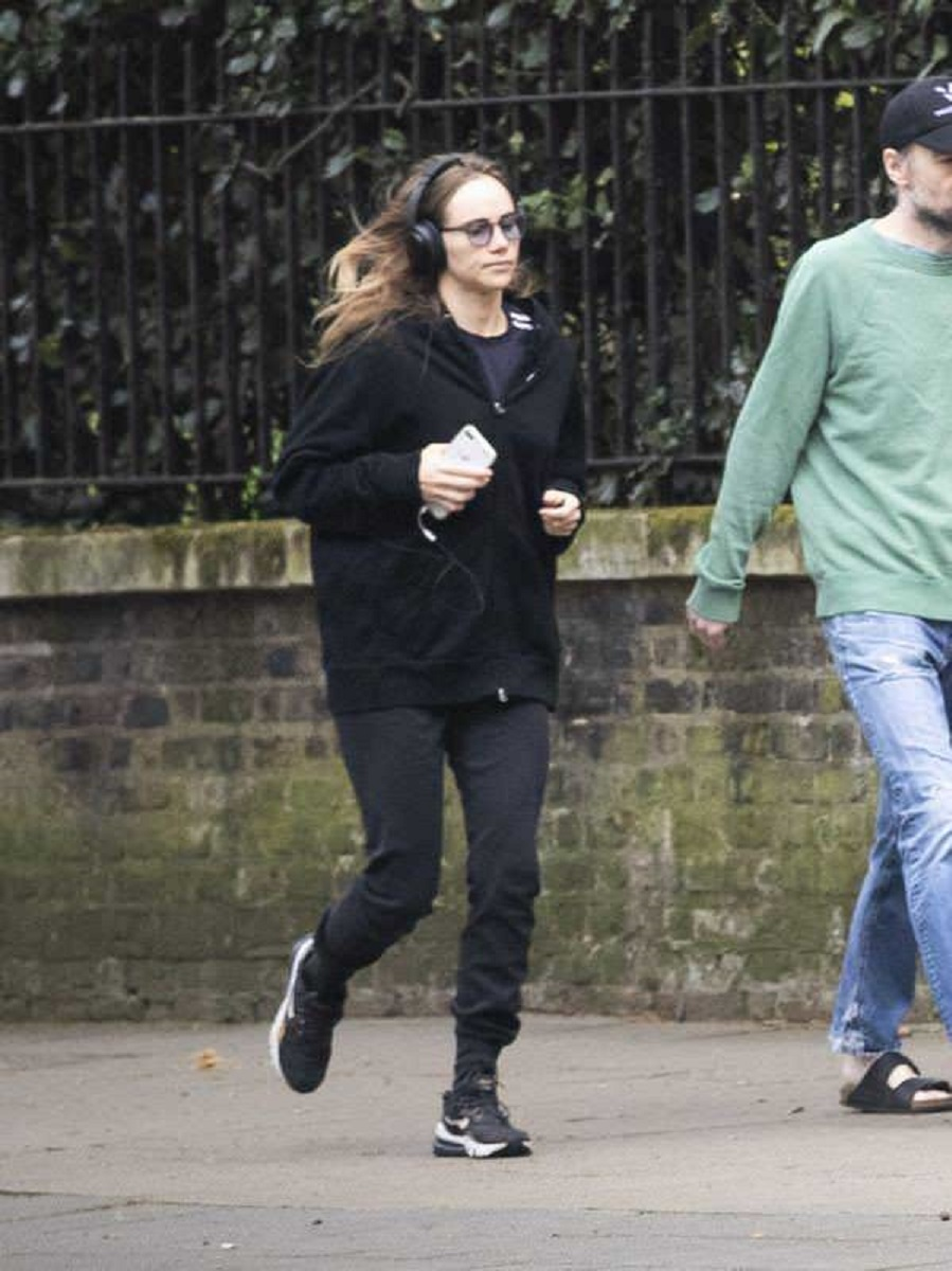 Suki Waterhouse and Robert Pattinson Jogging in London
