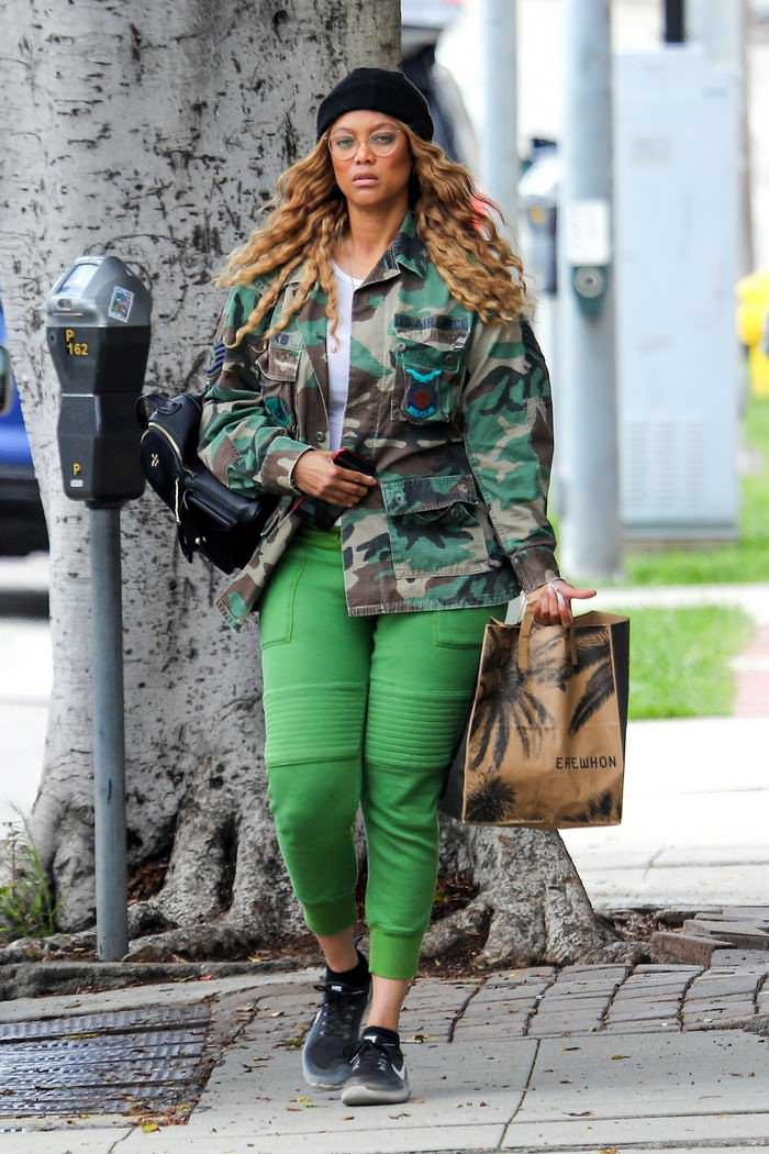 Tyra Banks in Military Jacket Makes a Grocery Run in LA