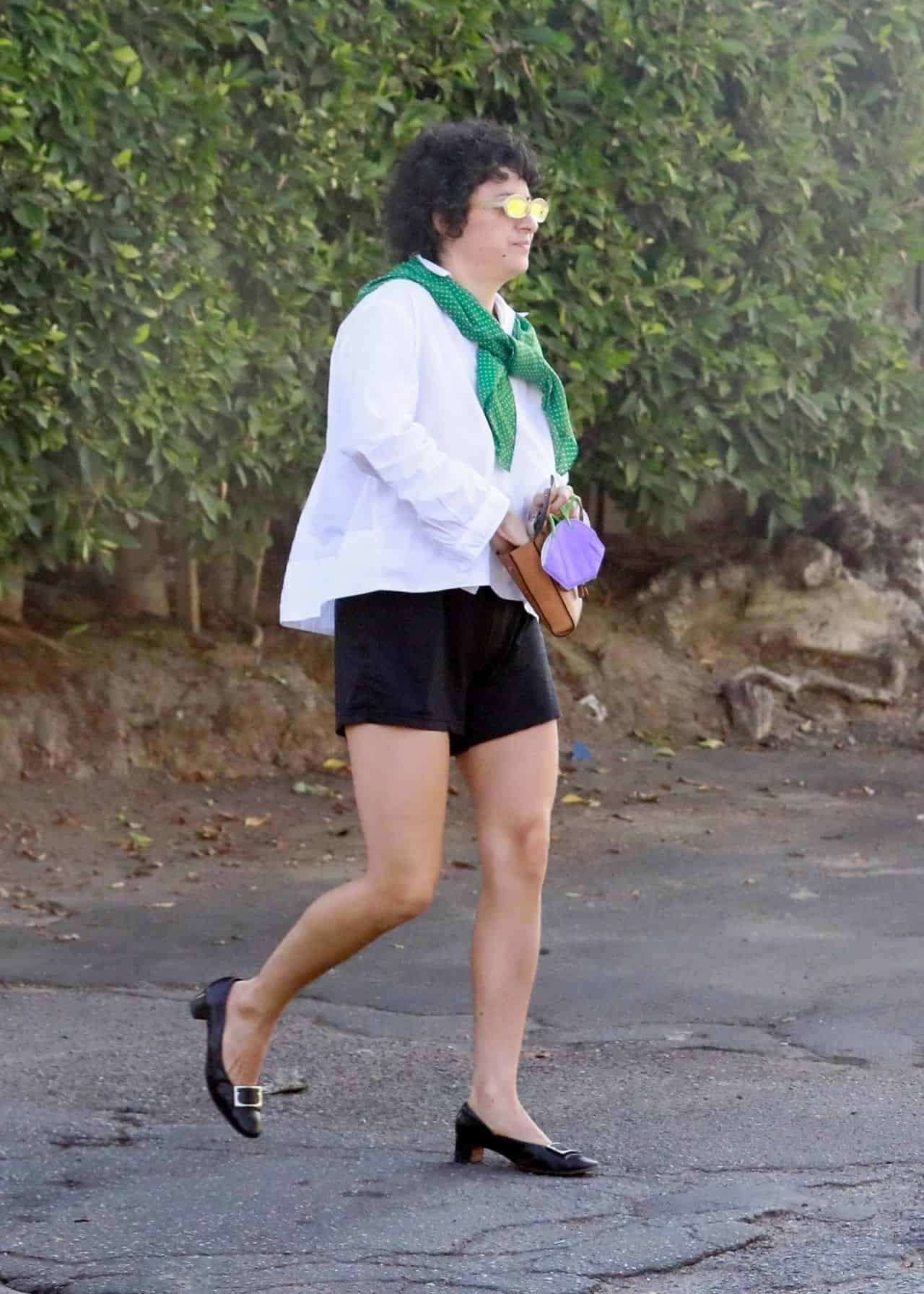 Alia Shawkat in a Casual Monochrome Outfit Out and About in Los Angeles