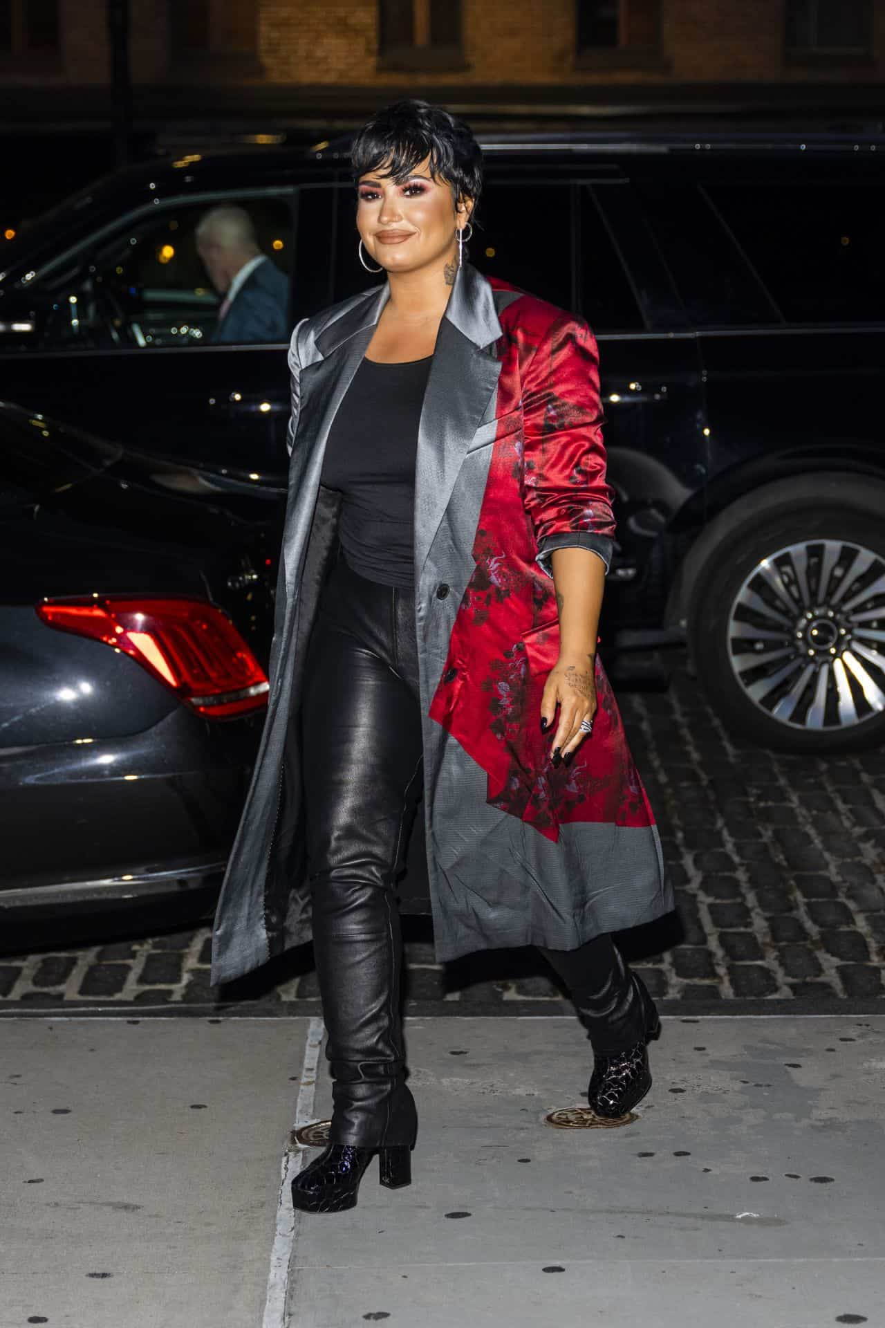 Demi Lovato is Joining her Friends on a Dinner Date in New York City
