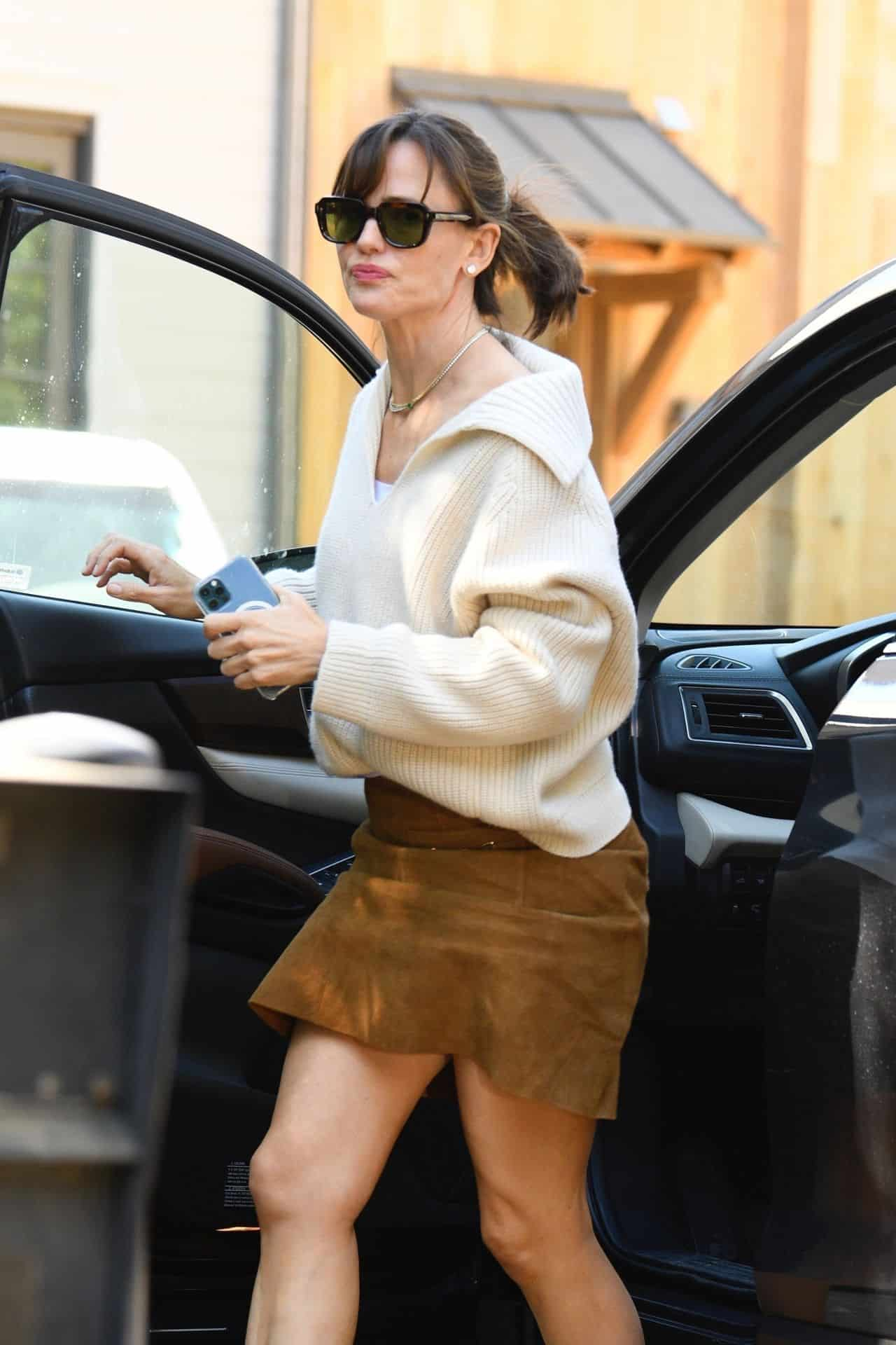 Jennifer Garner's Fall Style a Suede Mini Skirt and a Knit Sweater